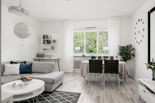 svensk fastighetsförmedling skövde till salu